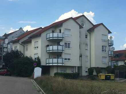 Gepflegte 2-Zimmer-DG-Wohnung mit Balkon in Winnenden