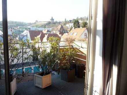 Traumhafte 5-Zi-Whg. mit EBK und Balkon mit herrlichem Burgblick