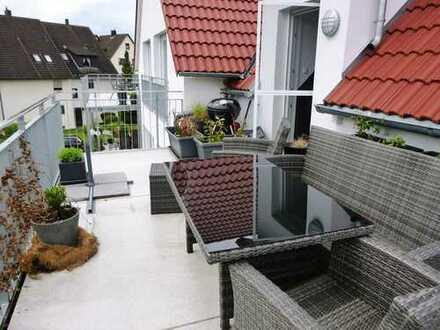 Moderne luxuriöse Maisonette-Wohnung mit 4 Zimmern, 2 großen Balkonen und 2 Carports!