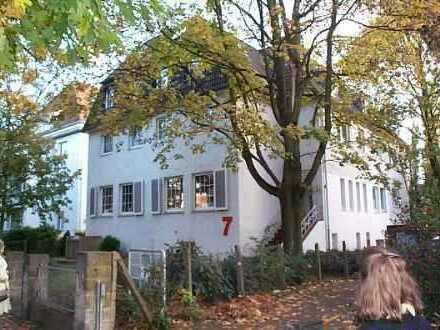 Schöne Wohnung im vorderen Schwachhausen mit Einbauküche