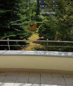 Schöne, geräumige zwei bis drei Zimmer Wohnung in Düsseldorf, Grafenberg