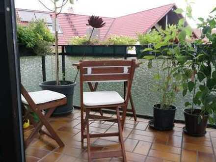 Schöne ruhige 2 Zimmer Wohnung mit Balkon