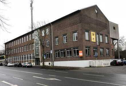 *Zentrale Büro- und Gewerbeflächen | direkt am Bahnhof | Stellplätze | Renovierung nach Wunsch*