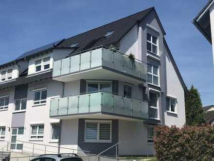 Neuwertige 3,5-Zimmer-Maisonette-Wohnung mit Balkon und EBK in Pfinztal
