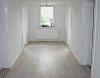 Erstbezug nach Sanierung: freundliche 3-Zimmer-Wohnung mit Einbauküche in Vechelde
