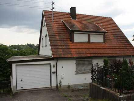 Für Handwerker und Bastler: Zweifamilienhaus in Leinzell