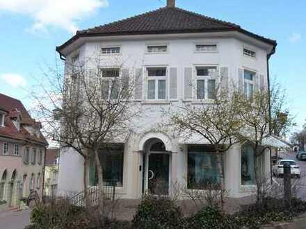 Wohn- und Geschäftshaus im Zentrum der historischen Altstadt von Engen