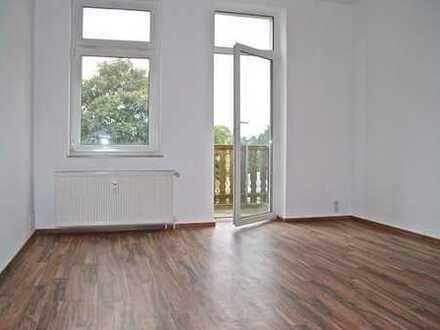 ***KNUFFIG ! Mit Balkon und kleinem Arbeitszimmer+EBK ***