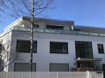 Großzügige 4-Zimmer-Wohnung mit Süd/West Balkon im Ortskern von Alt-Solln