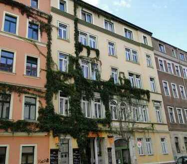 Großzügige, helle 5- Raum-Wohnung in der Neustadt