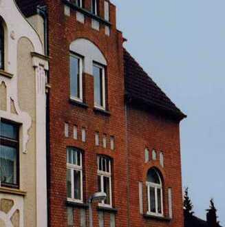 Gut geschnittene Maisonette-Wohnung, gr. Südwest Balkon m. Blick in den Gemeinschafts-Garten
