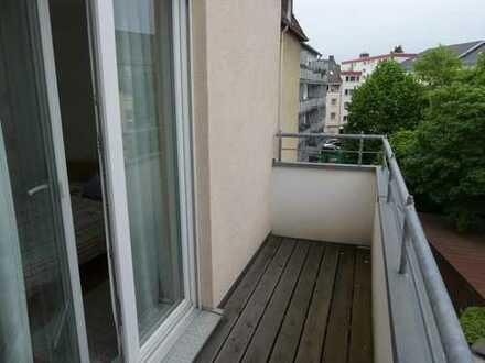 Helle, moderne 105qm Wohnung (2er WG) mit 2 Balkonen uvm, Nähe Bornheim Mitte