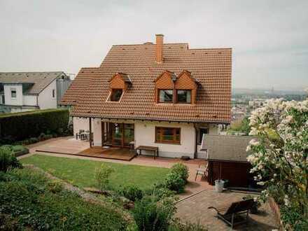 Großzügiges und hochwertiges Architektenhaus in toller Blicklage bei Koblenz!