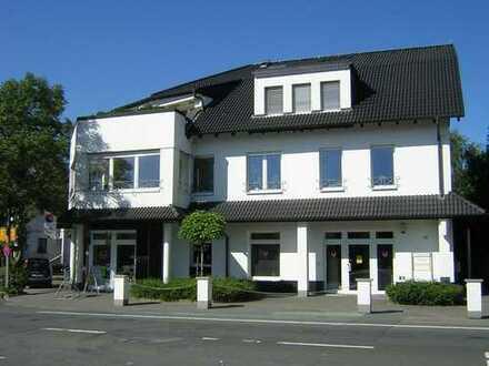 Von privat: Hochwertig sanierte, moderne und helle 2-Zimmer-Wohnung zu vermieten
