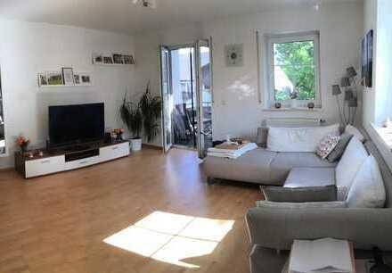 Super schöne ruhige 3 Zimmer Wohnung mit Balkon und Einbauküche in Freising Tuching