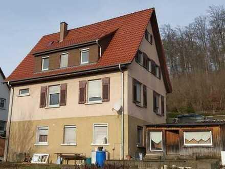 Sanierungsbedürftiges Mehrfamilienhaus in Königsbronn-Tallage
