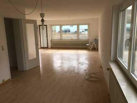 Schöne drei Zimmer Wohnung in Ludwigsburg (Kreis), Freiberg am Neckar