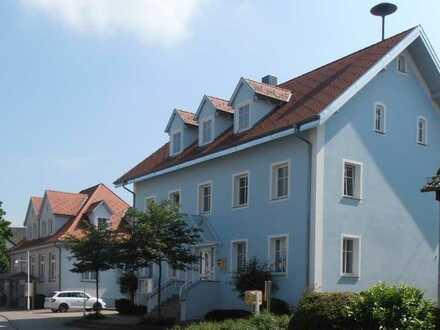Zwei Bürogebäude mit Sitzungssaal (ehemaliges Rathaus)