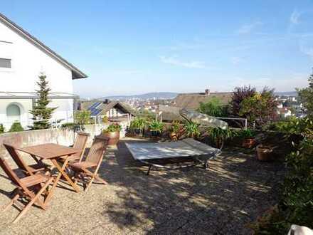 Gepflegte 3-Zimmer-Erdgeschosswohnung mit Terrasse in Kümmersbruck
