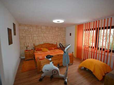 Schöne 3,5 Zimmerwohnung mit Blick ins Grüne in Warthausen
