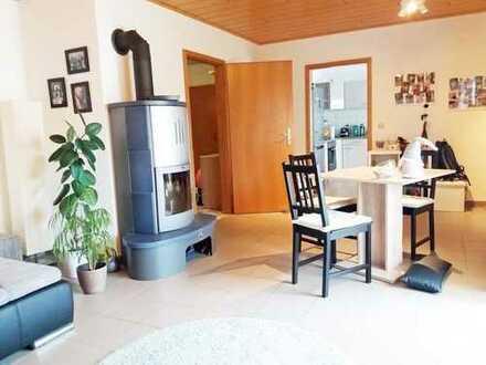 Modernisierte 3,5-Raum-DG-Wohnung mit Balkon in Essenheim