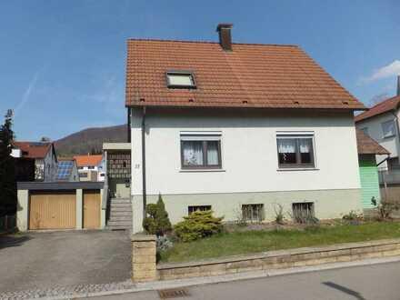 Einfamilienhaus mit großem Grundstück in sonniger Lage von Dettingen