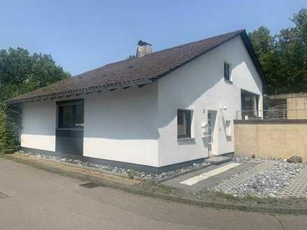 Einfamilienhaus, neu komplett Renoviert