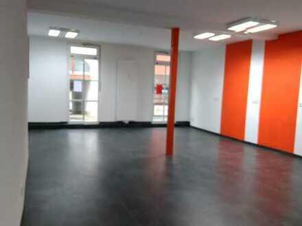 Helle Geschäftsräume Stadtmitte Triberg zu vermieten