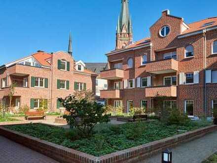 Erstbezug: Zentrale, sehr helle und charmante 3-Zimmer-Wohnung mit Balkon im 1.OG am Rheder Bach