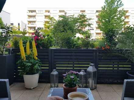 2-Zimmer-Erdgeschosswohnung mit Terrasse in 68163, Mannheim. Einbauküche muss übernommen werden!