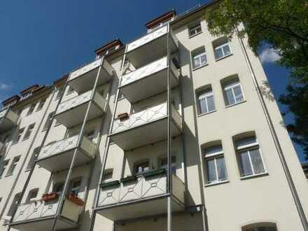 Sehr attraktive & zentrumsnahe 4-RW im Hinterhaus mit Balkon & Aufzug