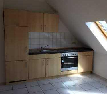helle Dachgeschoss-Wohnung in Gohlis-Nord*2 Zimmer*Badewanne*EBK*
