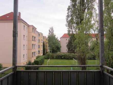 Gemütlichkeit pur: 2-Raum-Wohnung in Striesen mit Balkon!