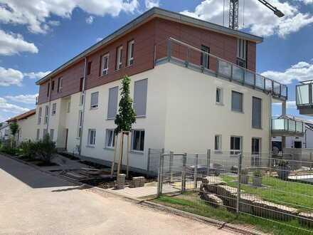 Erstbezug: stilvolle 3,5-Zimmer-Erdgeschosswohnung mit Einbauküche und Terrasse/Garten