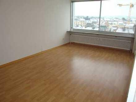 Top Lage mit Aussicht im Zentrum, 2-Zi.-Wohnung, Abstellraum, Wfl. ca. 60 m²