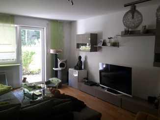 helle modernisierte 3-Zimmer-Wohnung mit Terrasse und Einbauküche in Erlangen