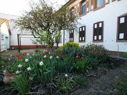 WORMS-Pfeddersheim * Charmanter Altbau mit traumhaftem Garten