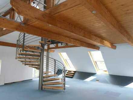 Architektonisch attraktives LOFT – Büro mit Blick auf die Wupper und Schwebebahn