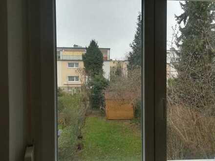Zimmer, mit eigenem Bad in Eschersheim zu vermieten