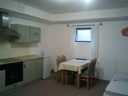 30qm großes Zimmer mit Küche und Bad