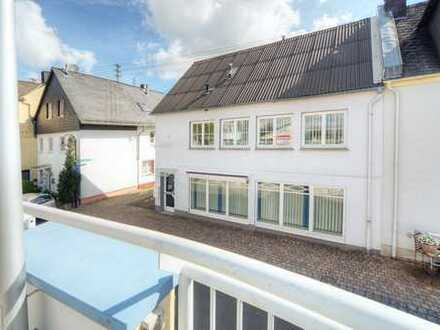 Zentral in der Hachenburger Innenstadt! Haus zum Wohnen oder als Büro-/ Praxisgebäude zu vermieten!