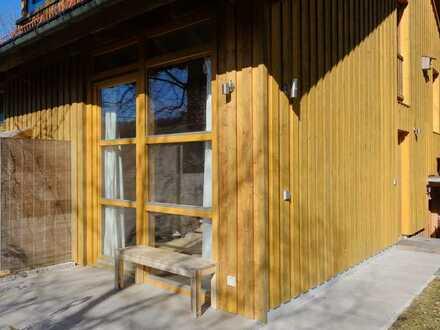Hausteil für Single - möbliertes Galerie-Apartment in Weßling