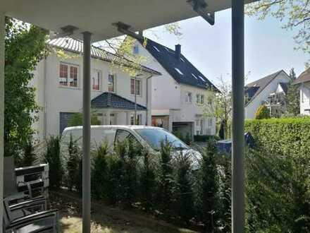 Ruhige 2-Zimmer-Erdgeschosswohnung mit schönem Außenbereich in Dreieich-Offenthal