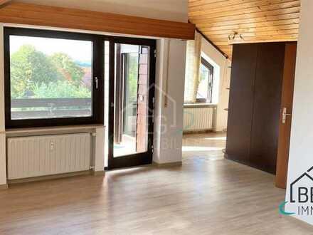 3-Zimmer-DG-Wohnung mit Einbauküche und 2 Balkonen in beliebtem Ortsteil