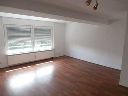 Schöne 2-Zimmer- Dachgeschoss- Wohnung (K/D/B) - Vermietung von privat