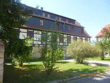 Schöne 4-Raum-Wohnung mit Balkon in ruhiger Lage, sehr gute Infrastruktur