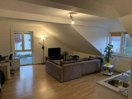 Schöne 1-Zimmer-Wohnung mit Einbauküche