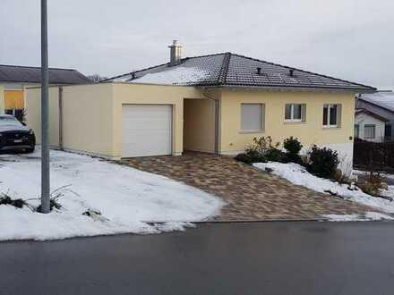 Schönes Haus in Lottstetten mit Garage und Garten