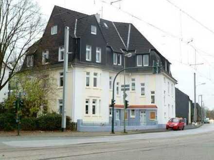 Ansprechende, gepflegte 1,5-Zimmer-DG-Wohnung zur Miete in Essen