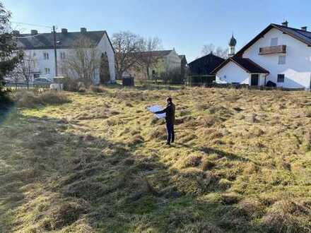 Erbaurecht-Grundstück mit genehmigten Bauplan für 8 Wohnungen und KFZ-Stellplätze